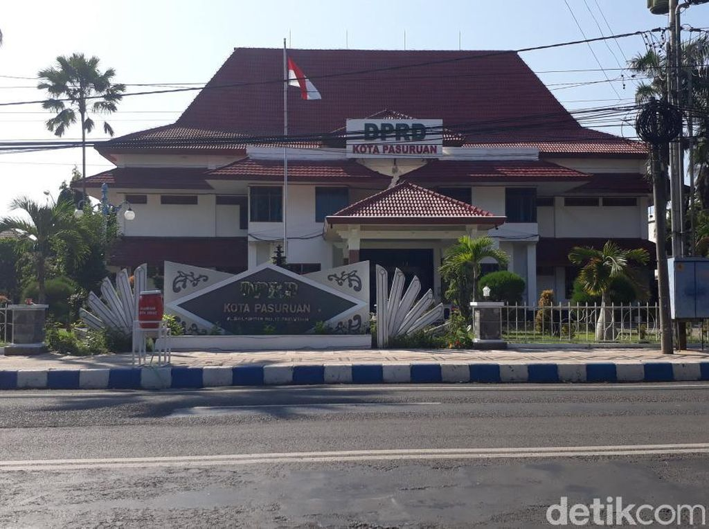 Seorang Sekwan Meninggal Positif COVID-19, DPRD Kota Pasuruan Dilockdown