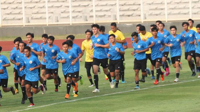 Elkan Baggott saat berlatih bersama Timnas Indonesia U-19.