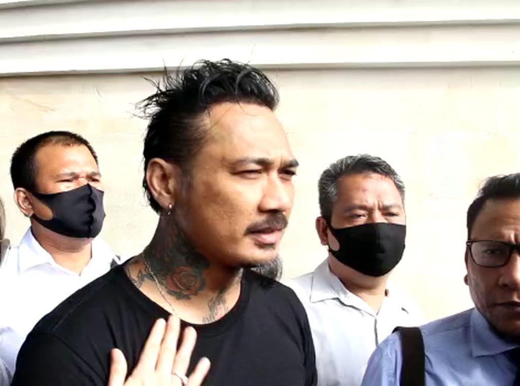 Poster Besar Tuntut Bebaskan Jerinx Terpajang di Bali