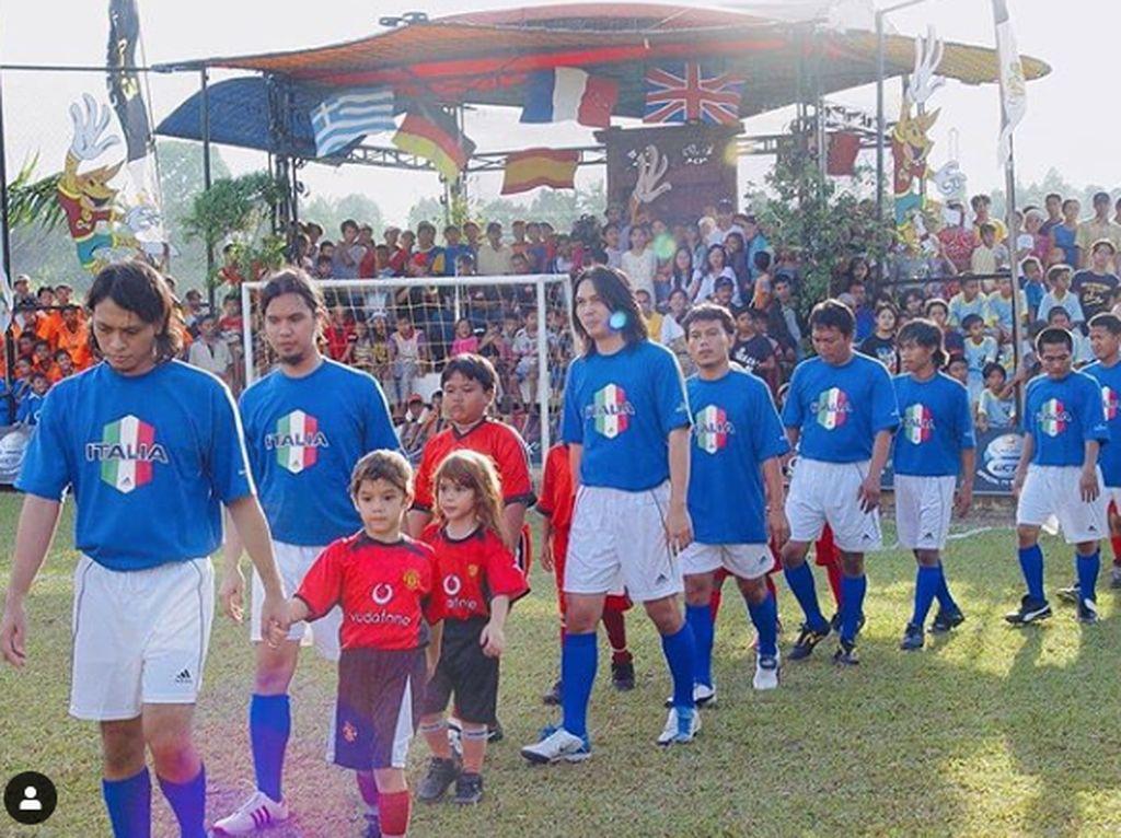 Tempat Ahmad Dhani Main Bola, Intip Kandank Jurank Doank yang Digugat