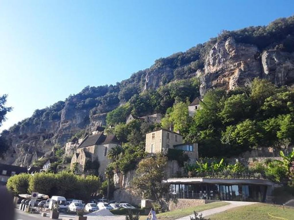 La Roque-Gageac, Desa Unik di Tebing Prancis