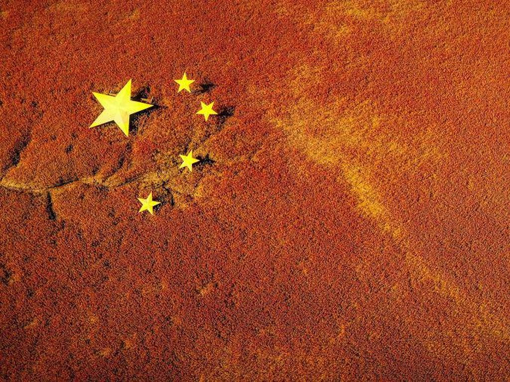 Pantai di China Ini Berubah Jadi Merah Darah