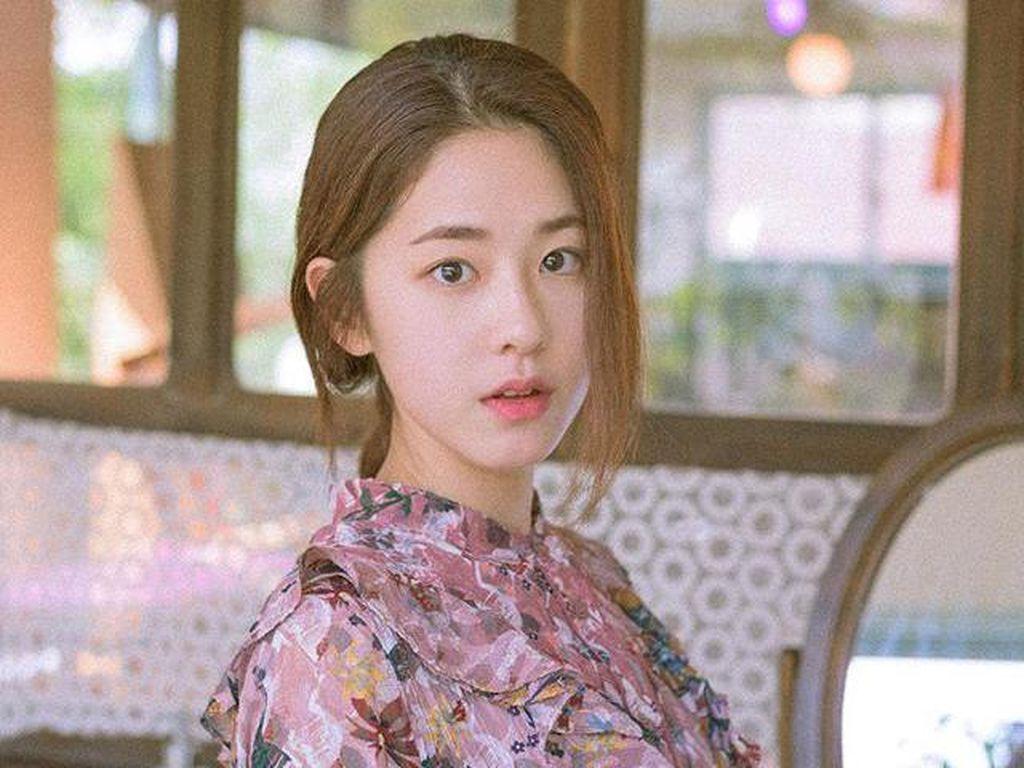 Park Hye Soo Terseret soal Keputusan Kim Sae Ron Mundur dari Dear.M