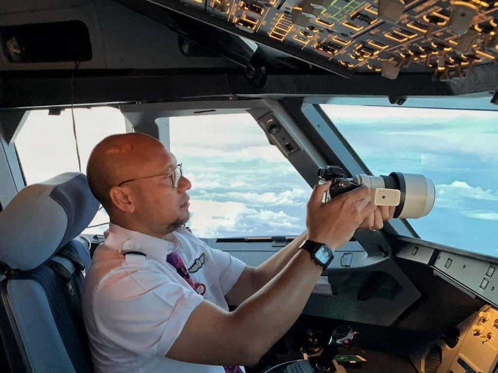 Jadi Pilot Sejak 1997, Pria Ini Sekarang Sibuk Jualan Mie Ayam