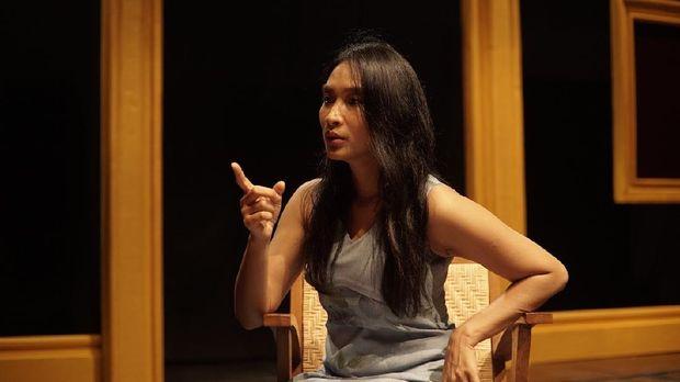 Rumah Kenangan Happy Salma sebagai Mutiara Wijaya
