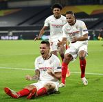 Menang Tipis dari Wolves, Sevilla Tantang MU di Liga Europa