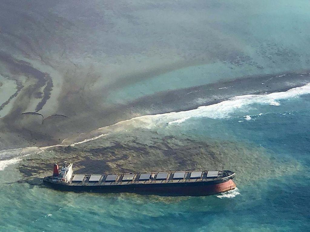 Kapal Jepang Bayar Rp 136 M Akibat Tumpahan Minyak di Mauritius