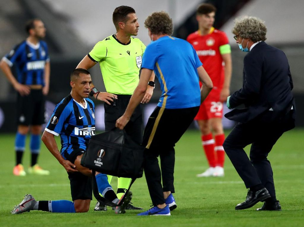 Alexis Sanchez Terancam Absen di Semifinal Liga Europa