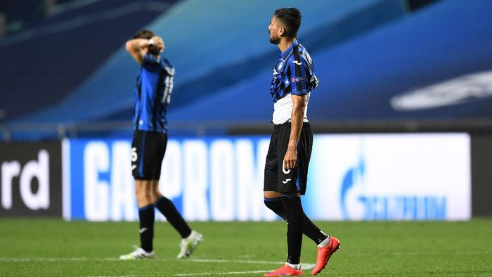 LISBON, PORTUGAL - AUGUST 12: Jose Luis Palomino of Atalanta reacts to defeat after the UEFA Champions League Quarter Final match between Atalanta and Paris Saint-Germain at Estadio do Sport Lisboa e Benfica on August 12, 2020 in Lisbon, Portugal. (Photo by David Ramos/Getty Images)