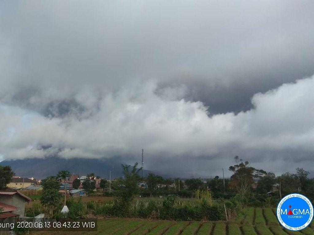Berselang 2 Jam, Gunung Sinabung Erupsi Lagi