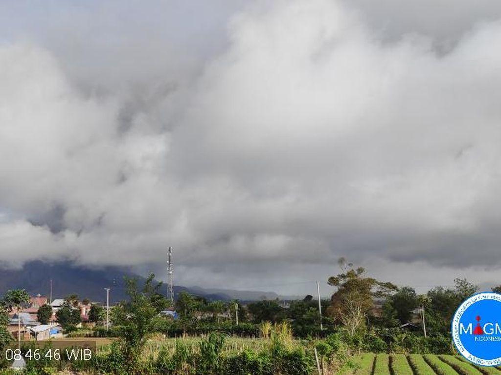 Gunung Sinabung Erupsi untuk Ketiga Kalinya Pagi Ini