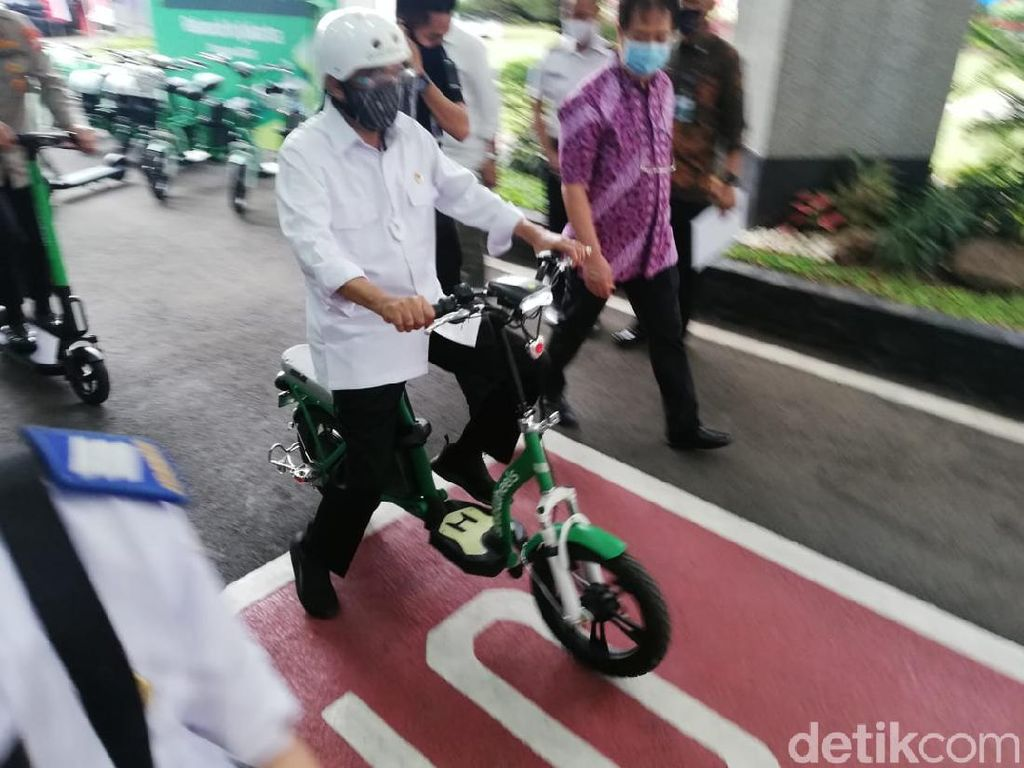 Catat Nih! Aturan Main Skuter Listrik di Jalan Raya