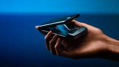 Ponsel Lipat Motorola Razr 2 Dirilis di Tanggal Ini