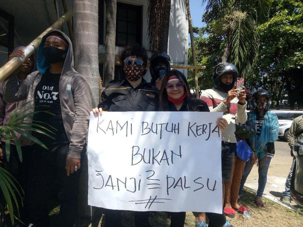 Giliran Pekerja Hiburan Malam Makassar Demo Butuh Kerja