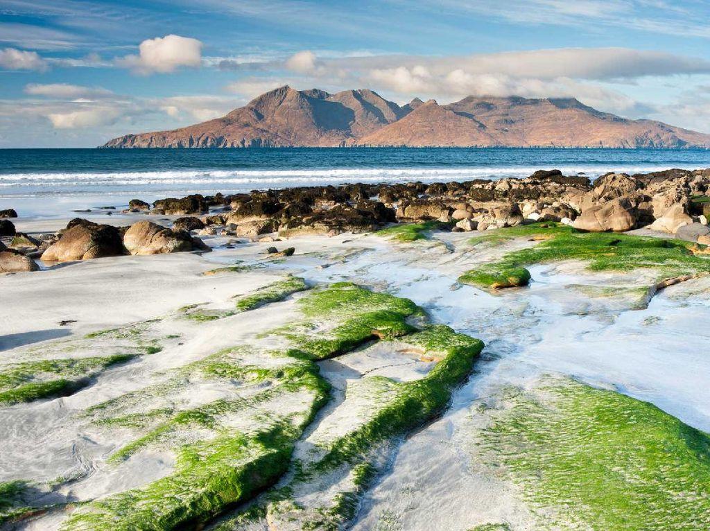 Dicari: Penduduk Ramah yang Mau Tinggal di Pulau Indah Skotlandia