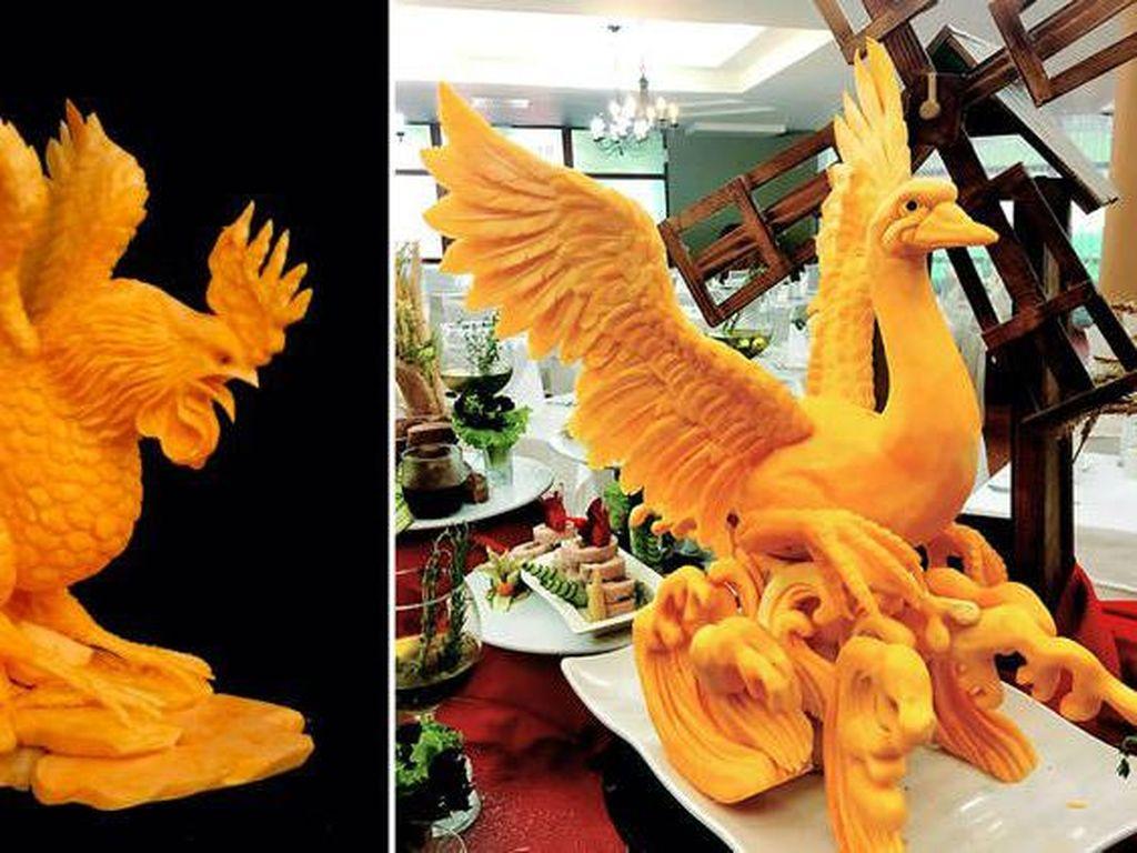 Seniman Bulgaria Ini Mengubah Labu Kuning Jadi Karya Seni Keren