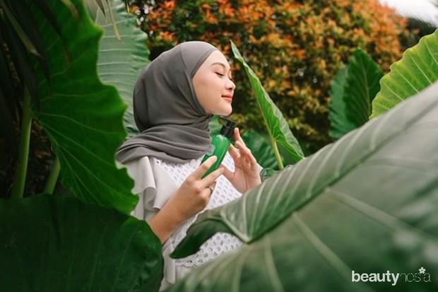 tips pilih hijab untuk kulit dengan undertone neutral, pilih spektrum warna dingin atau hangat seperti abu-abu gelap, coklat moka, milo, cream, hingga cokelat latte