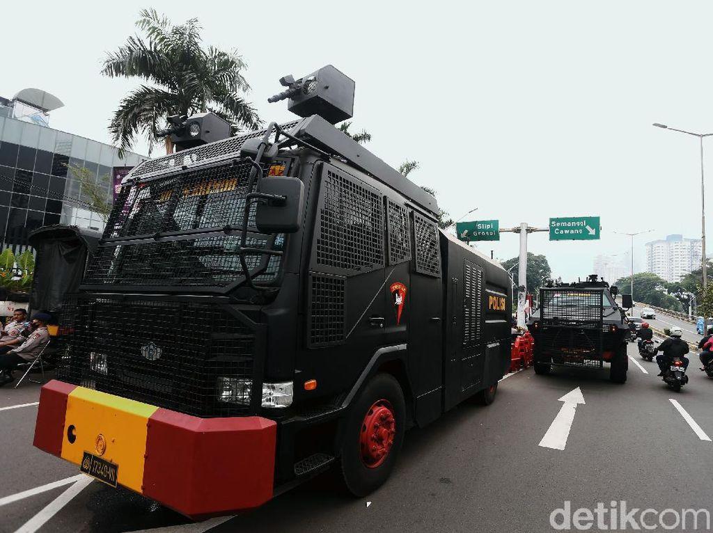 Polisi hingga Water Cannon Amankan Sidang Tahunan MPR