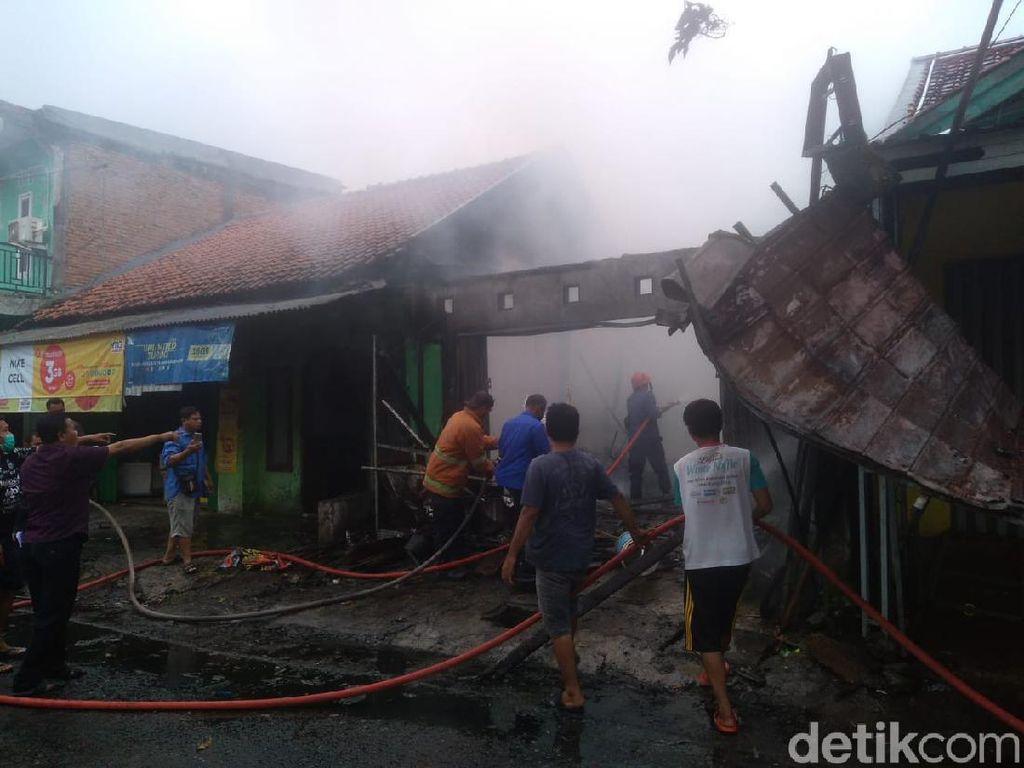 Kebakaran Rumah Makan di Karawang, 1 Perempuan Tewas Mengenaskan