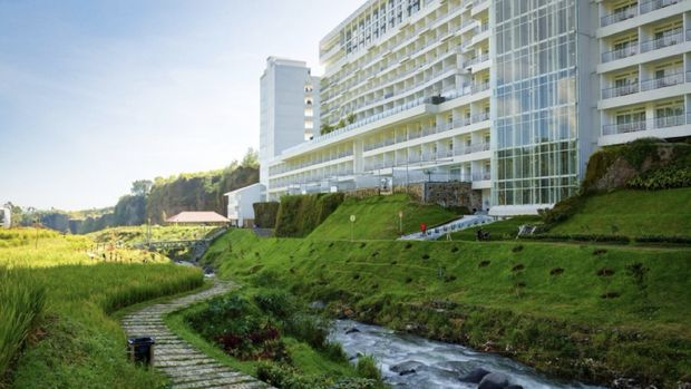 Le Eminence Hotel Convention & Resort