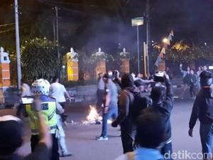 Video Massa Aksi Gejayan Bersitegang dengan Warga