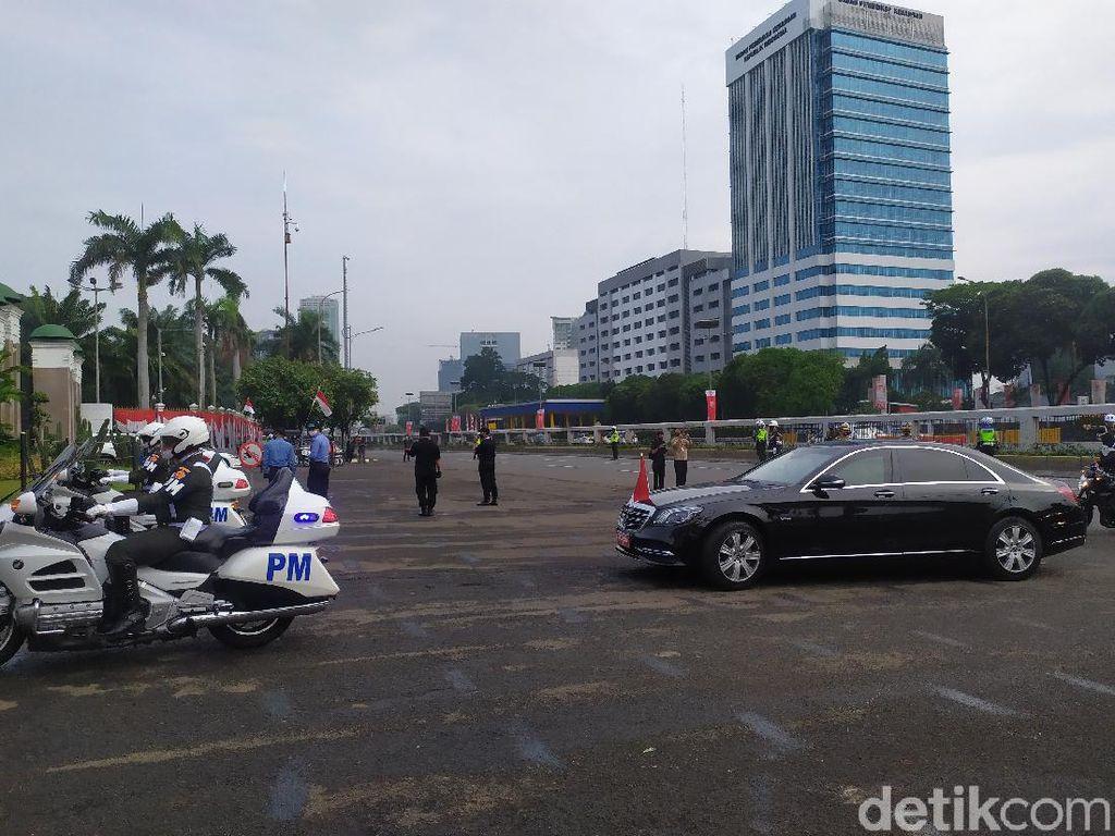 Ada Sidang Tahunan MPR-DPR-DPD, Polisi Jaga Jalan Gatsu-Gerbang Pemuda