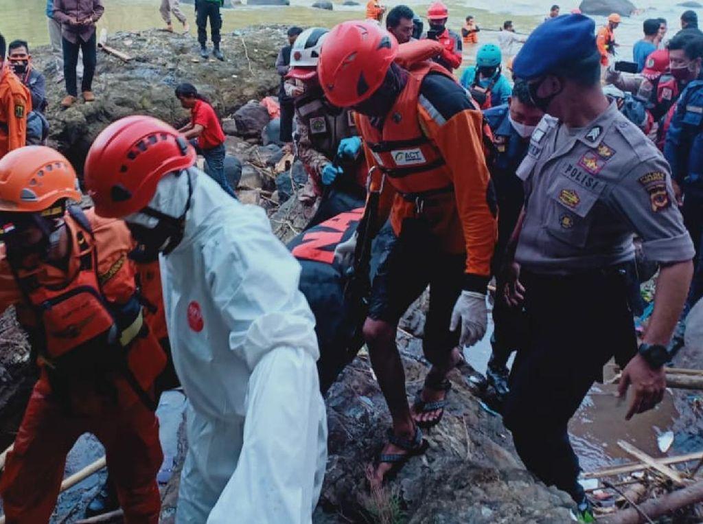 Terseret Arus Sungai, Santri Ponpes di Sukabumi Ditemukan Tewas
