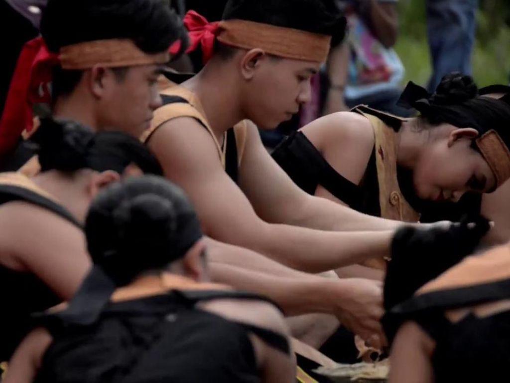 5 Fakta Menarik Naik Dango, Ritual Panen Padi Suku Dayak
