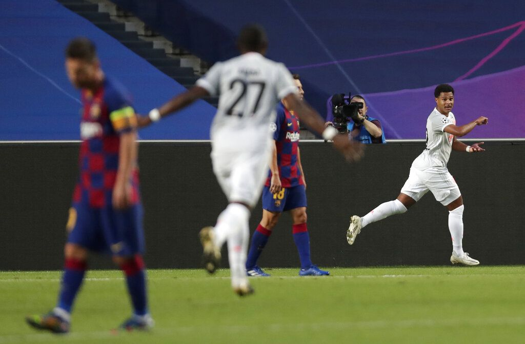 Bayern Munich mengalahkan Barcelona dengan skor telak 8-2 di perempatfinal Liga Champions. Kemenangan ini membuat Bayern melenggang ke semifinal Liga Champions.