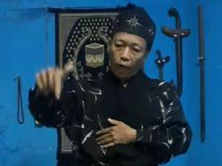 Viral Video Kakek di Kuningan Sebut Corona Berasal dari Kalongwewe