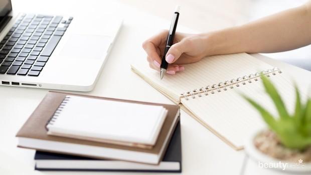 Ikuti kelas online dan webinar gratis maupun berbayar untuk menambah skill set yang dibutuhkan ketika mencari pekerjaan.