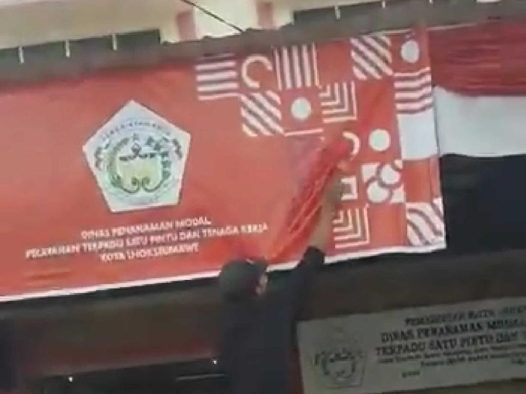 Heboh Warga Aceh Cat Logo HUT RI Gegara Mirip Simbol Agama