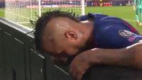 Arturo Vidal Lakukan Ini Saat Bayern Lumat Barca, Mau Muntah?
