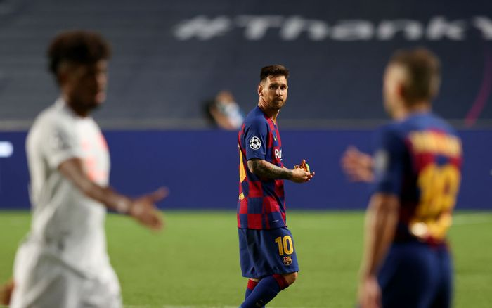 LISBON, PORTUGAL - AUGUST 14: Lionel Messi of FC Barcelona looks dejected following his teams defeat in the UEFA Champions League Quarter Final match between Barcelona and Bayern Munich at Estadio do Sport Lisboa e Benfica on August 14, 2020 in Lisbon, Portugal. (Photo by Rafael Marchante/Pool via Getty Images)