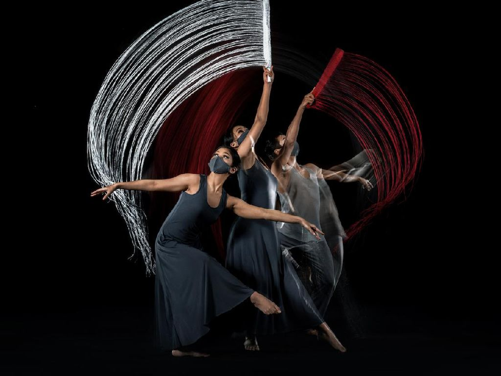 EKI Dance Company & Martha Suherman Kolab Bikin Dance Photography