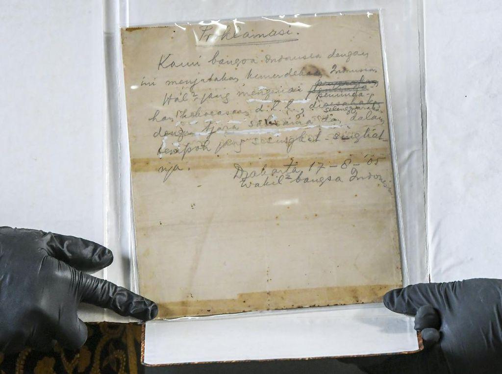 Teks Proklamasi: Sejarah, Isi, dan Perubahannya