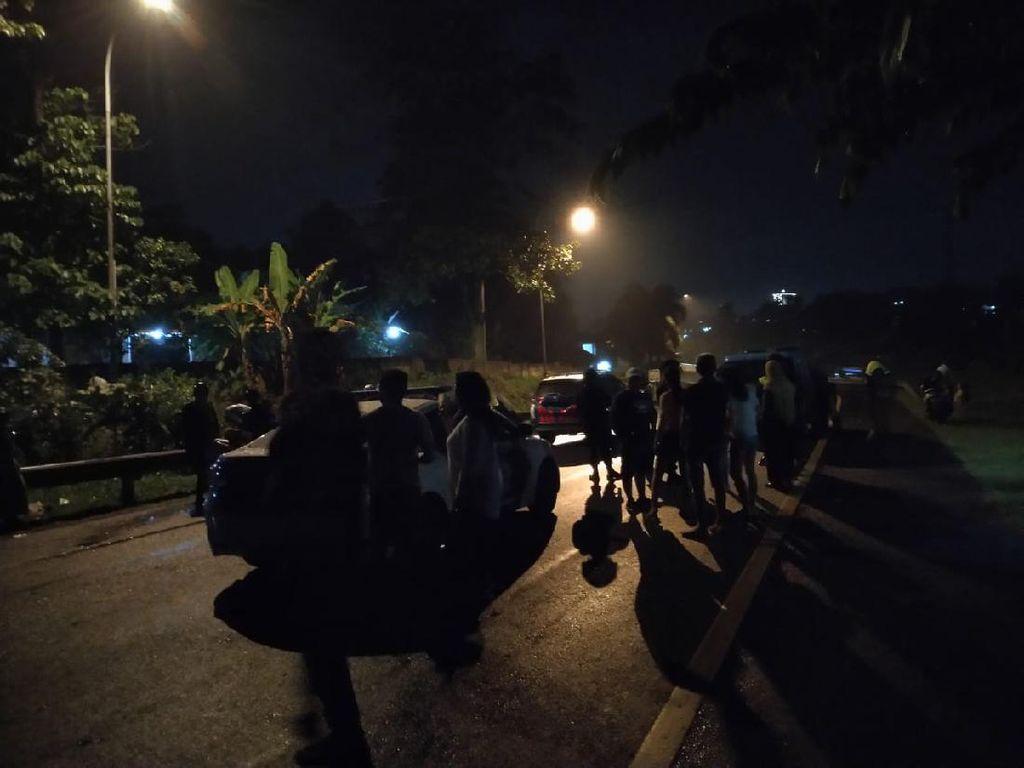 Terjebak Belasan Jam di Tol Ciawi, Pengendara Nyesal Liburan di Puncak