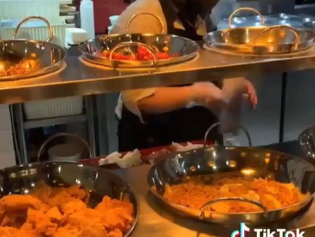 Wah! Ada Restoran Korea dan Jepang Ala Warteg di Yogyakarta