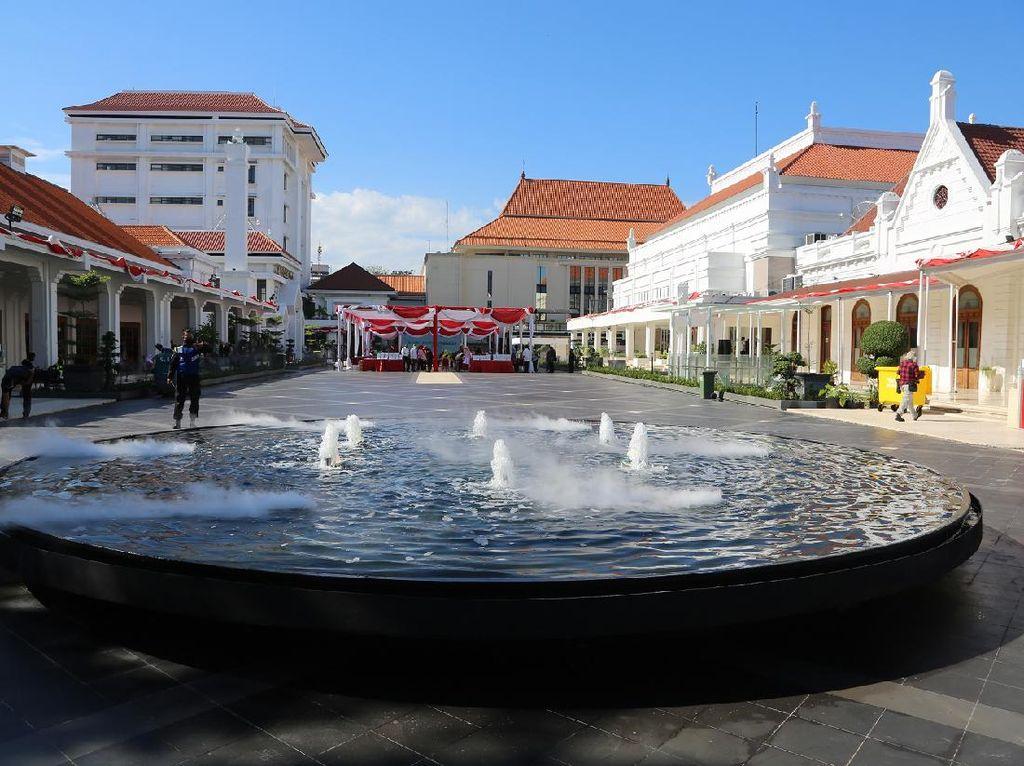 Di Momen Hari Kemerdekaan, Wali Kota Risma Resmikan Plaza Alun-alun Surabaya