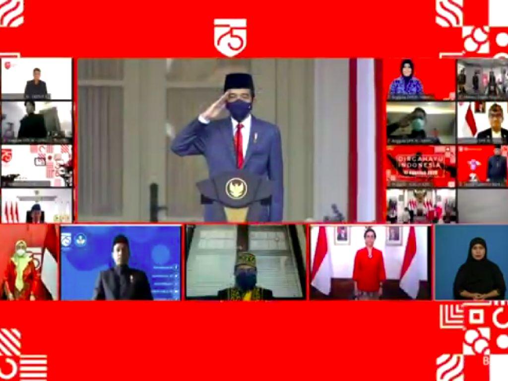 Jokowi Pimpin Upacara Penurunan Bendera Merah Putih di Istana