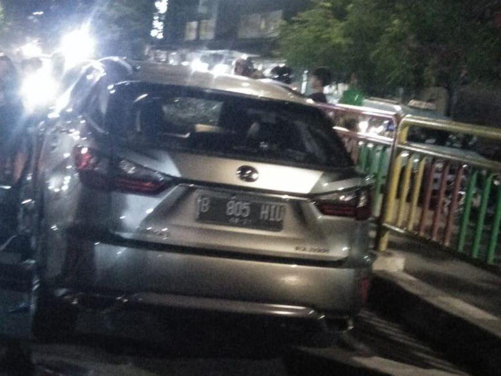 Kronologi Kecelakaan Lexus Vs Motor yang Tewaskan 1 Orang di Palmerah