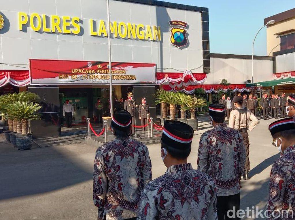 Mantan Napi Teroris Jadi Petugas Upacara HUT RI di Polres Lamongan