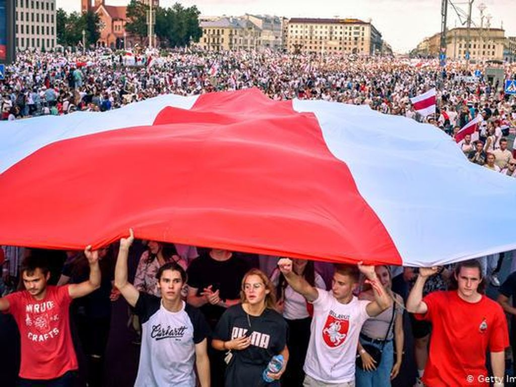 Menanti Nasib Negara Diktator Terakhir di Eropa