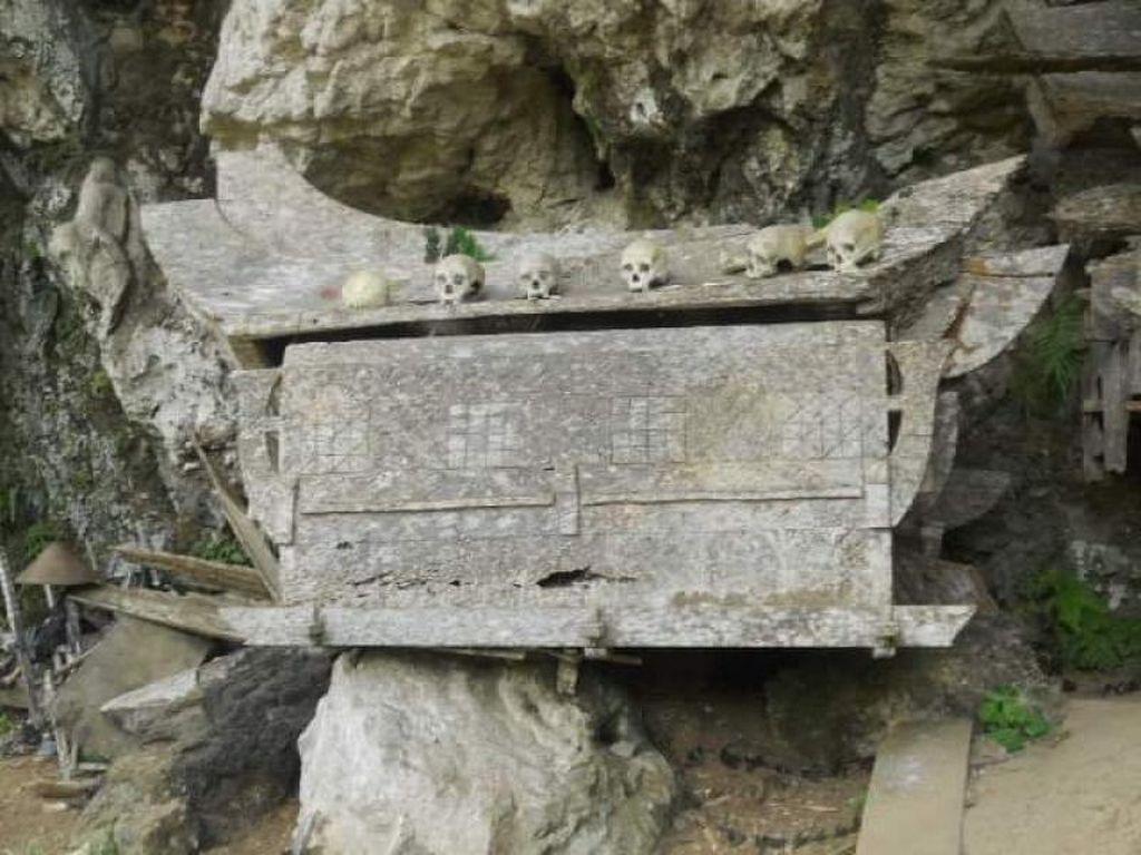 Unik, Tana Toraja Punya Kuburan Berbentuk Perahu dan Hewan