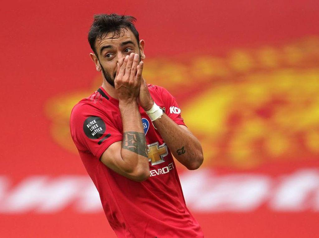 Jadi Kapten MU Lawan PSG, Begini Ekspresi Kaget Bruno Fernandes