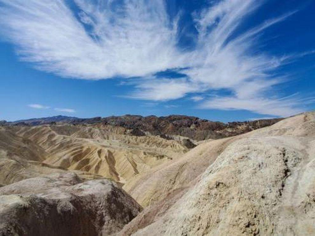 Jatuh dari Ketinggian 28 Meter, Turis Taman Death Valley Meninggal Dunia