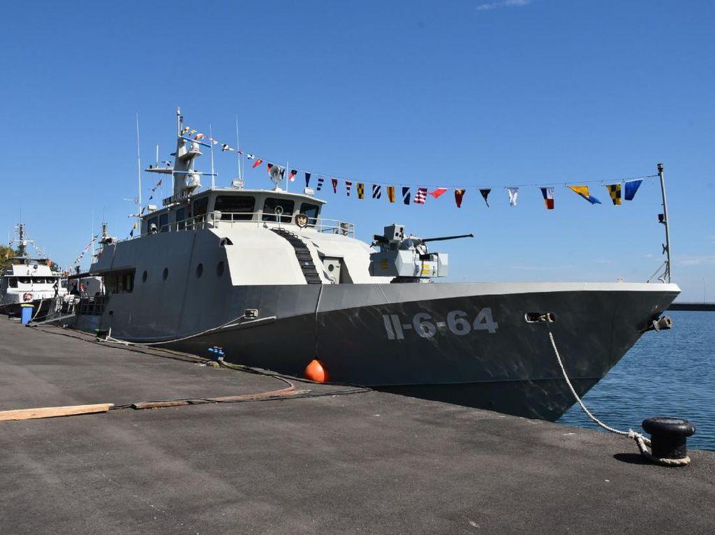 HUT RI di Lantamal VI, 4 Gaug Kapal Perang Meraung Bersamaan