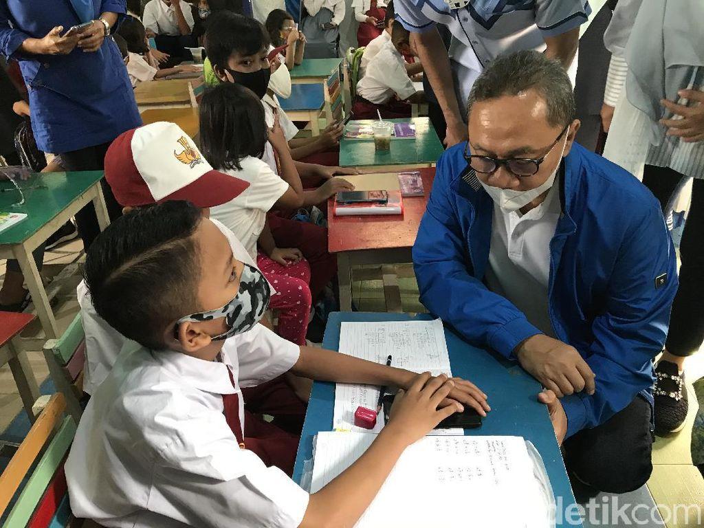 PAN Pasang WiFi Gratis di DKI, Zulhas: Pemerintah Lambat Datangnya