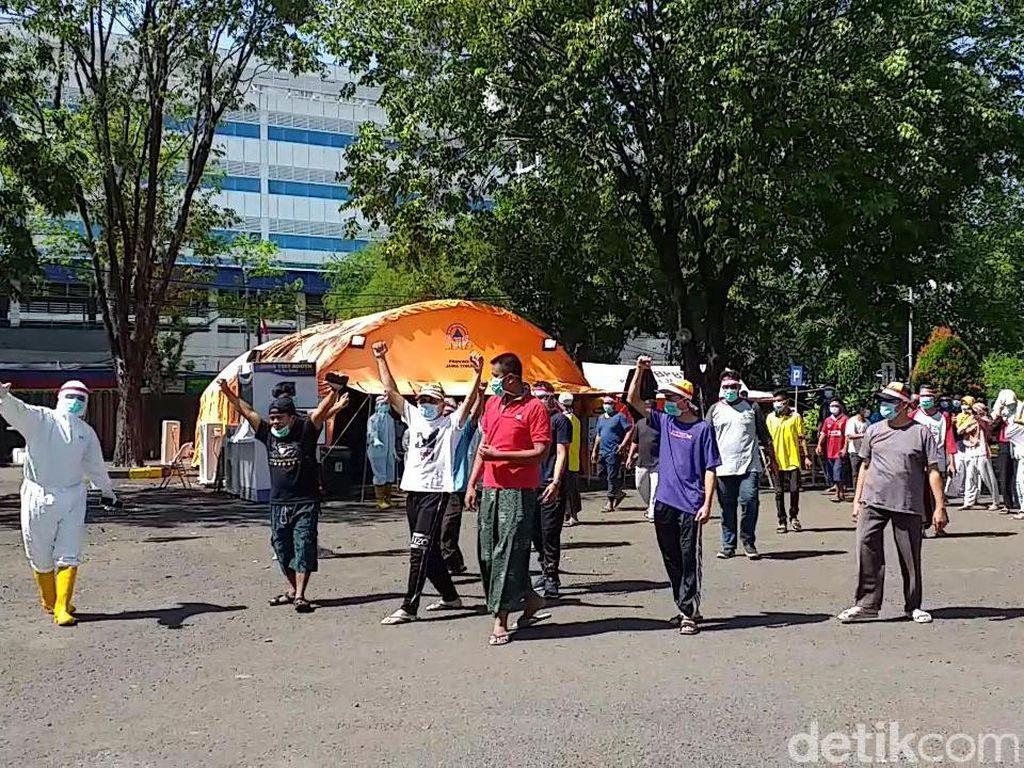 Cerita Pasien COVID-19 Sembuh di Surabaya, Ditolak Keluarga hingga Digugat Cerai