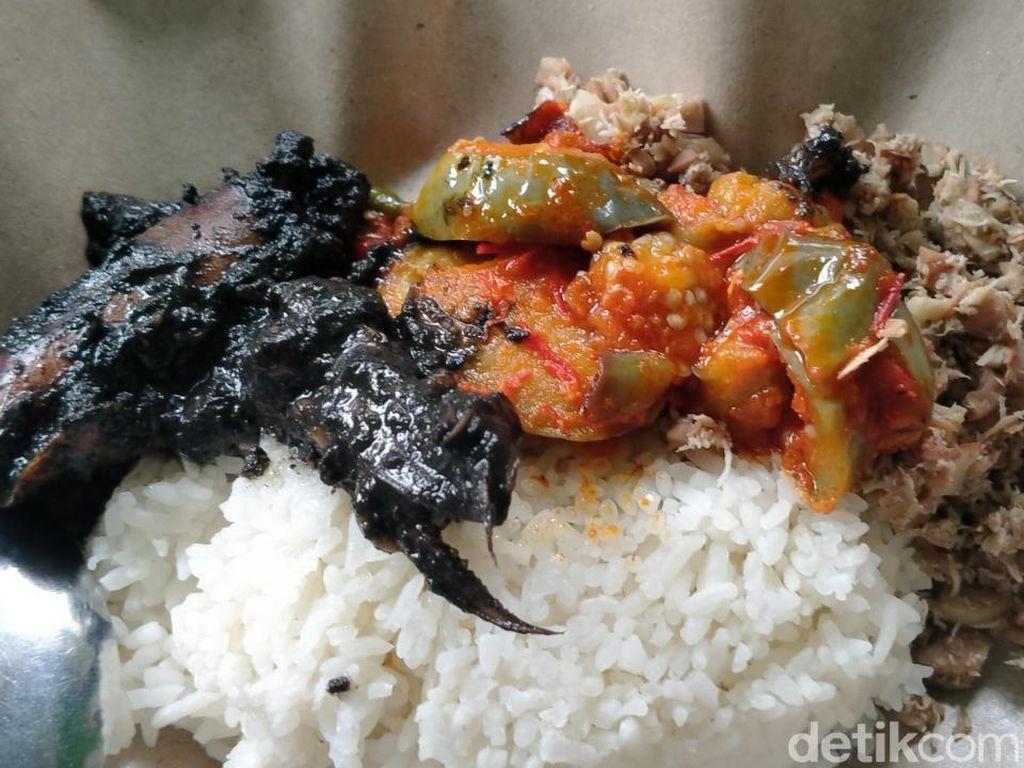 Sedep Miroso! Racikan Nasi Megono Bu Suli Khas Pekalongan